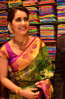 Raashi Khanna in colorful Saree looks stunning at inauguration of South India Shopping Mall at Madinaguda ~ Exclusive Celebrities Galleries 014