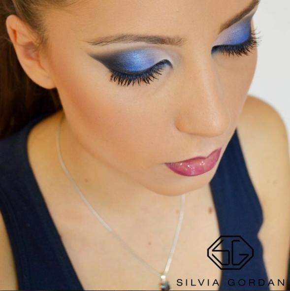 komu pasuje niebieski makijaż makeup