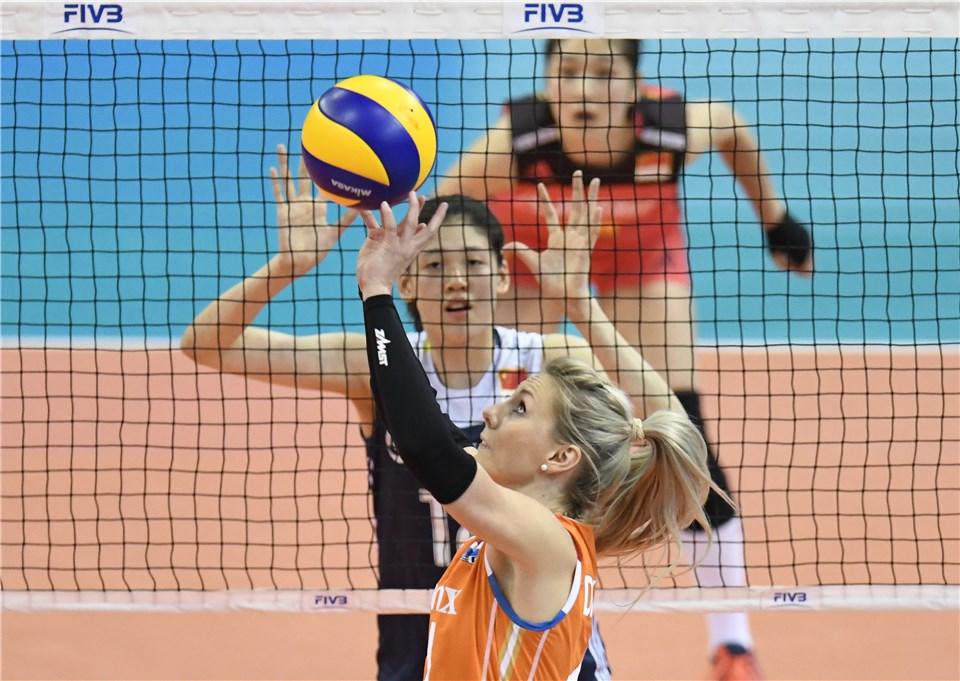 ed088c52cb LNV - Dia 14  Holanda confirma Final 6 junto à Turquia  Itália está fora