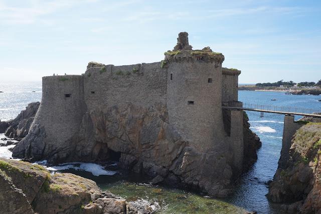 le vieux chateau, ile d'yeu, bullelodie