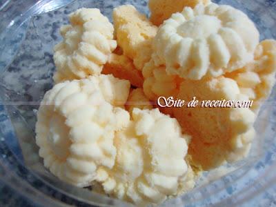 Biscoitinhos amanteigados de coco