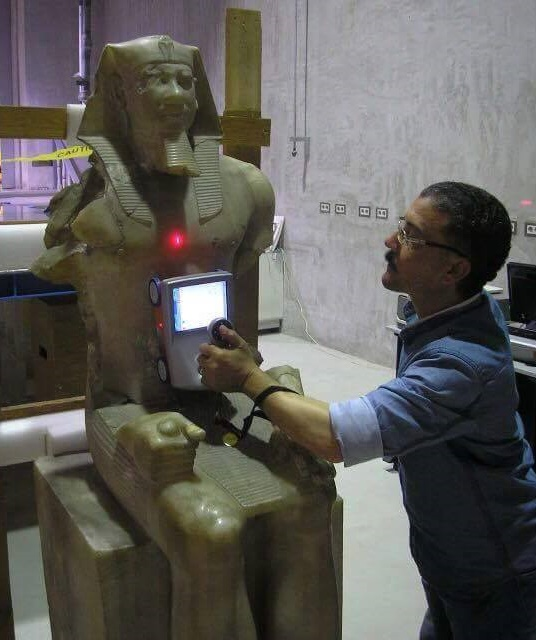 Egyptian antiquities experts to restore King Menkawre statue
