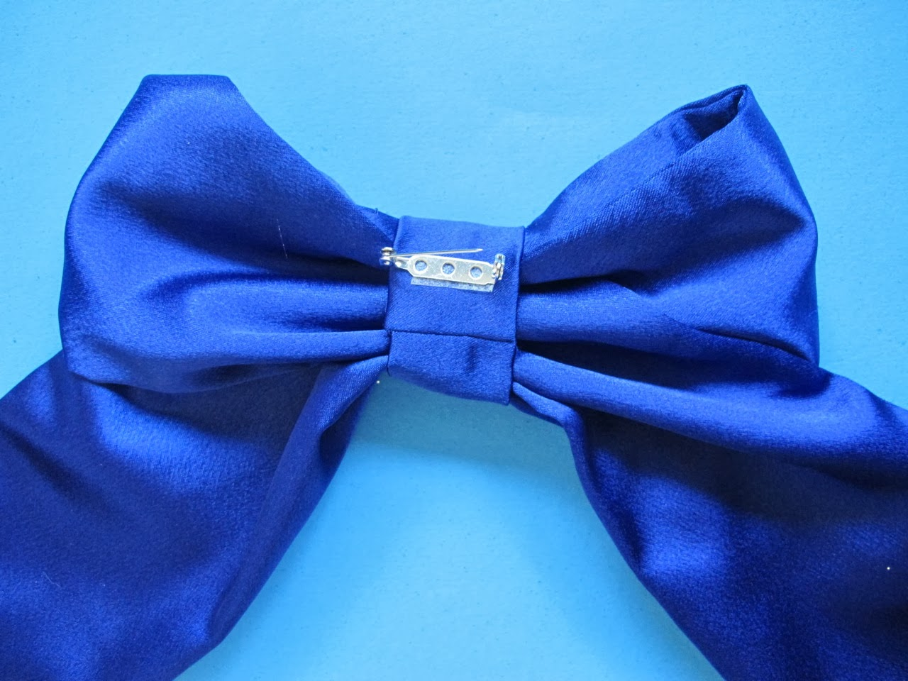 how to make a big fabric bow