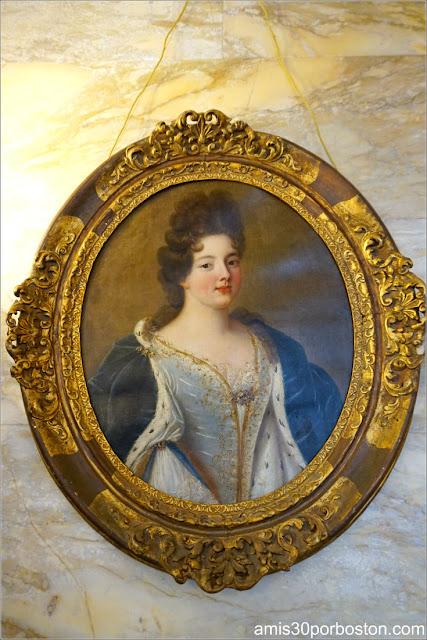 Retrato Aristócrata Francesa en el Pasillo de Marble House, Newport