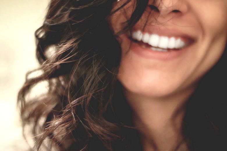 sourire d'une femme