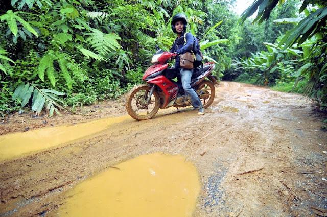 Pahang Teacher Motorbike Motorcycle Muddy Road