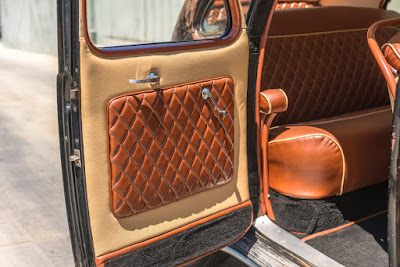 Lincoln Zephyr V12 Twin-Grille Classic Car Interior 03
