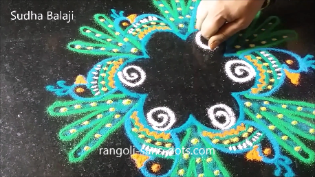 peacock-in-rangoli-1a.png