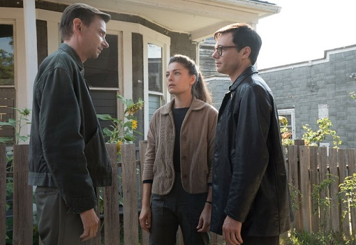 DJ Qualls, Alexa Davalos y Rupert Evans en The Man in the High Castle