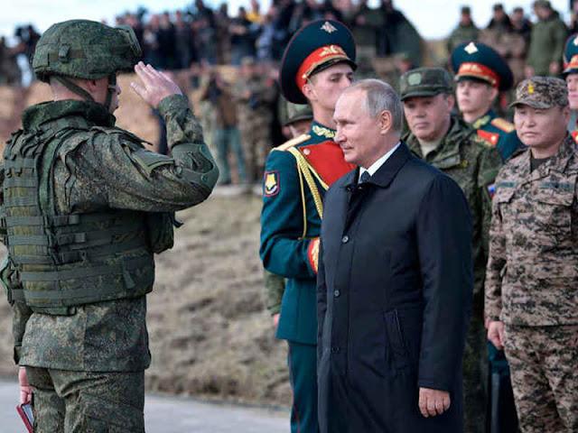 Vladimir Putin Hadiri Latihan Perang Rusia - China