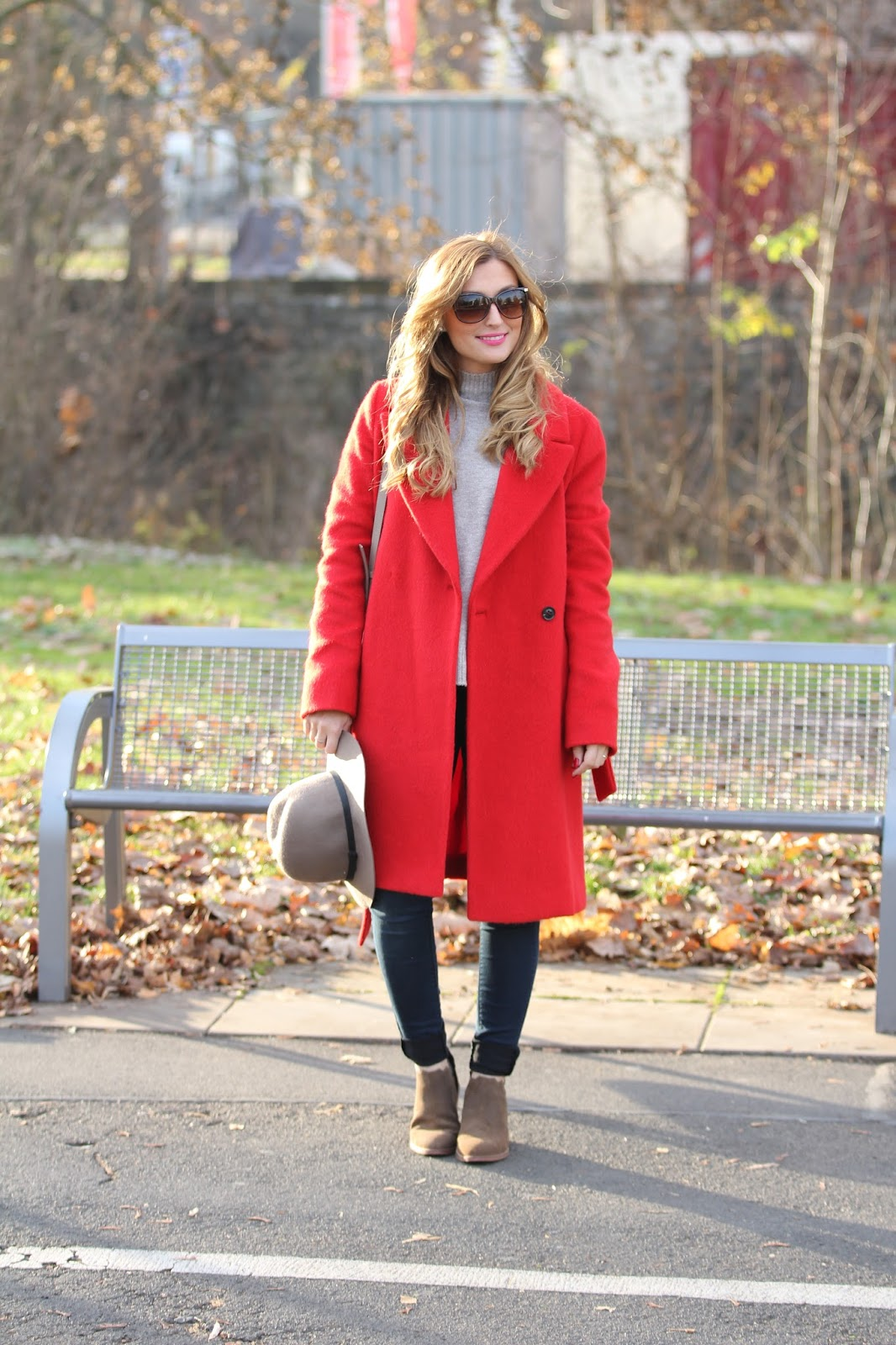Roter-Taifun-Mantel-Gerry-weber-schuhe-Blogger-Casual- Streetstyle-look