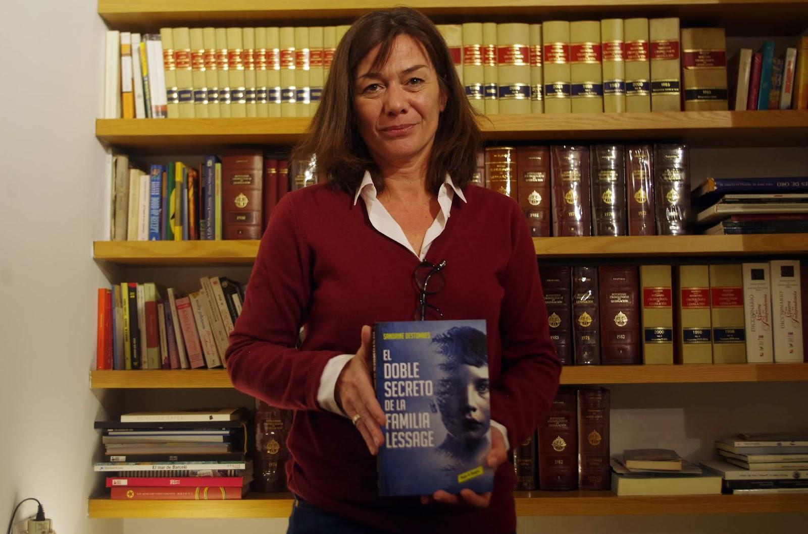 """Pude entrevistar a la autora, Sandrine Destombes, por la publicación de su  primer libro en castellano """"El doble secreto de la familia Lessage""""  publicado por ..."""