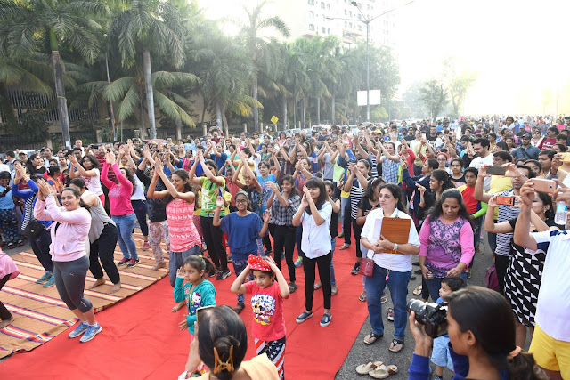 "Inaugural of ""Be happy Spreading smiles"" IT WAS FUN, FROLIC AND. NO VEHICLE ZONE ON SUNDAY IN LOKHANDWALA"