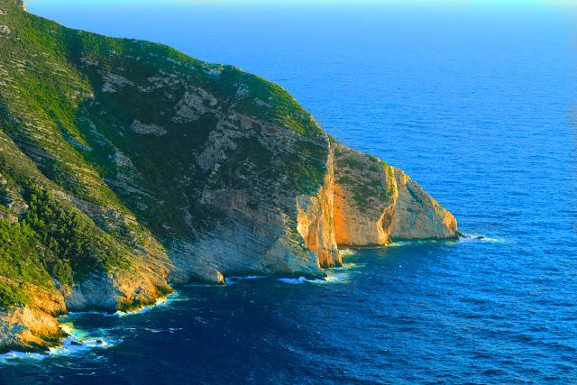 Greece, Ionian Islands, Zakynthos Island, the bay Navagio. Греция, Ионические острова, остров Закинф, бухта Навагио