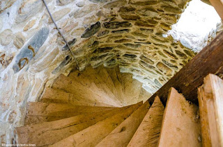spiral staircase]