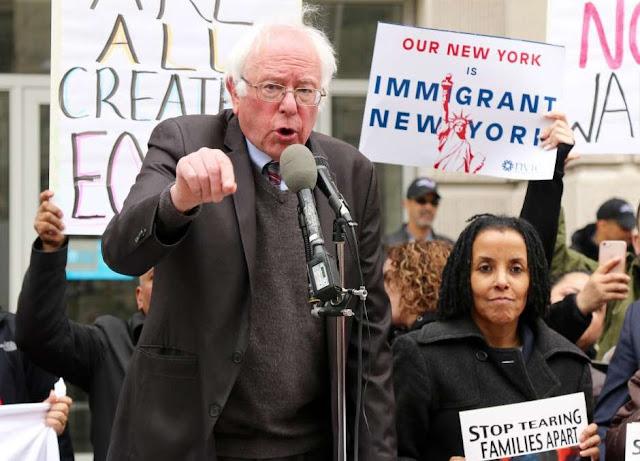 No te metas con los pobres ni con los indocumentados: Sanders a Trump