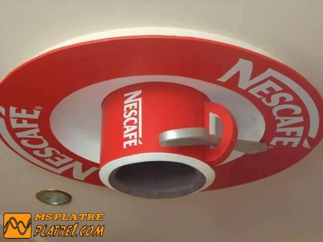 Faux plafond de café en plater