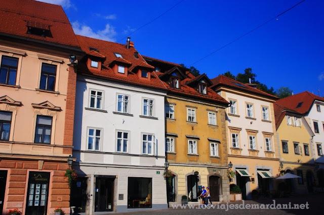 Colorido de casas de Trg Stari