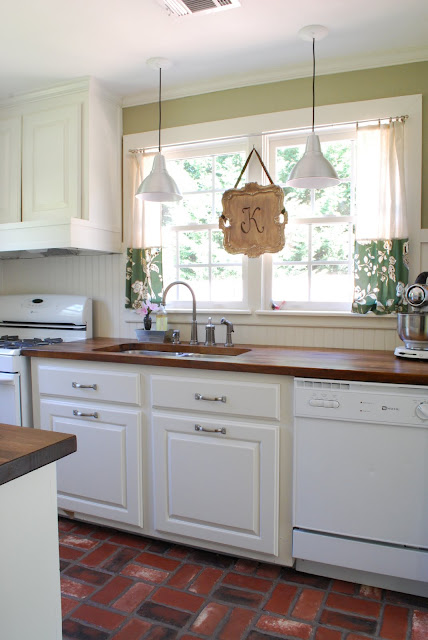 Kitchen paint and cabinet colors