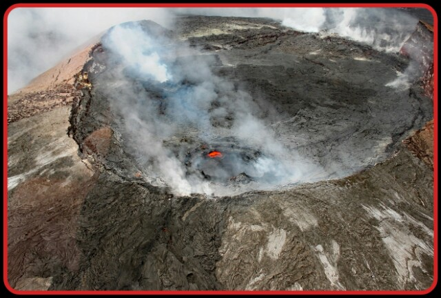 Kilauca,Volcano,Hawaii,Nature,SO2 gas.