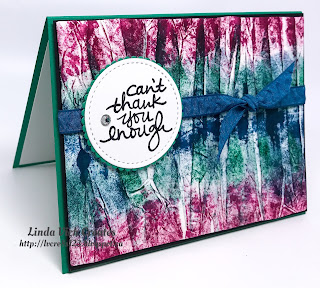 Linda Vich Creates: Tie Dye Thank You Cards. Vibrant tie dye backgrounds using Berry Burst, Emerald Envy and Dapper Denim inks, take centre stage on these thank you cards.