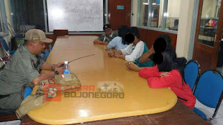 Empat Pasangan Kumpul Kebo Ini Di Gelandang Satpol PP Dari Kamar Kos