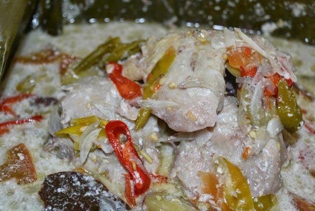 Bagi anda orang Jawa Tengah, kuliner tradisional ini mungkin tak asing lagi.  Ya, Garang Asem adalah kuliner khas Jawa Tengah. Setiapkali saya ingat kuliner ini, angan saya selalu terkenang kangen ibu