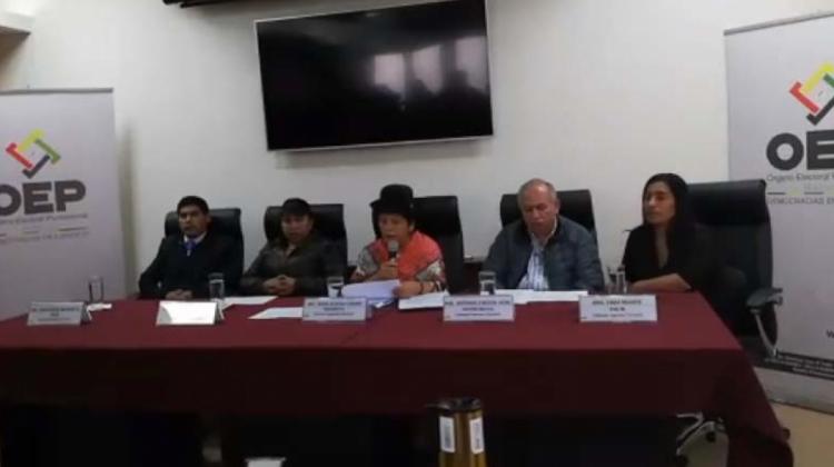 Vocales del ente electoral boliviano en conferencia de prensa / ANF