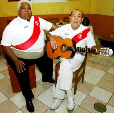 """Foto de Arturo """"Zambo"""" Cavero junto a su compañero"""