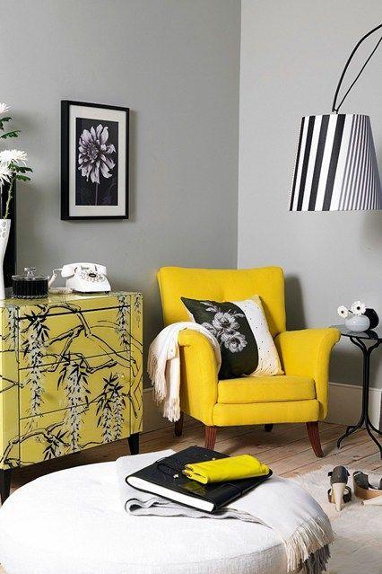sarı koltuk dekorasyonu