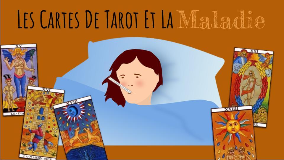 une femme malade, couchée, avec un thermomètre dans la bouche, entourée de cartes de tarot de Marseille