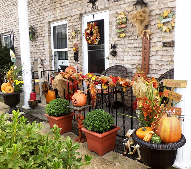 Fall Front Porch, 2018