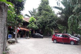 Halaman parkir watugunung