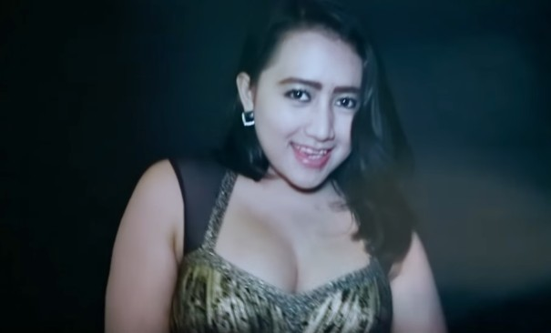 Lirik dan Link Download Mp3 Frida Angella - Becekin Adek Bang