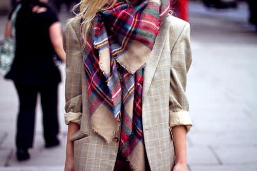 10 maneras de llevar un foulard