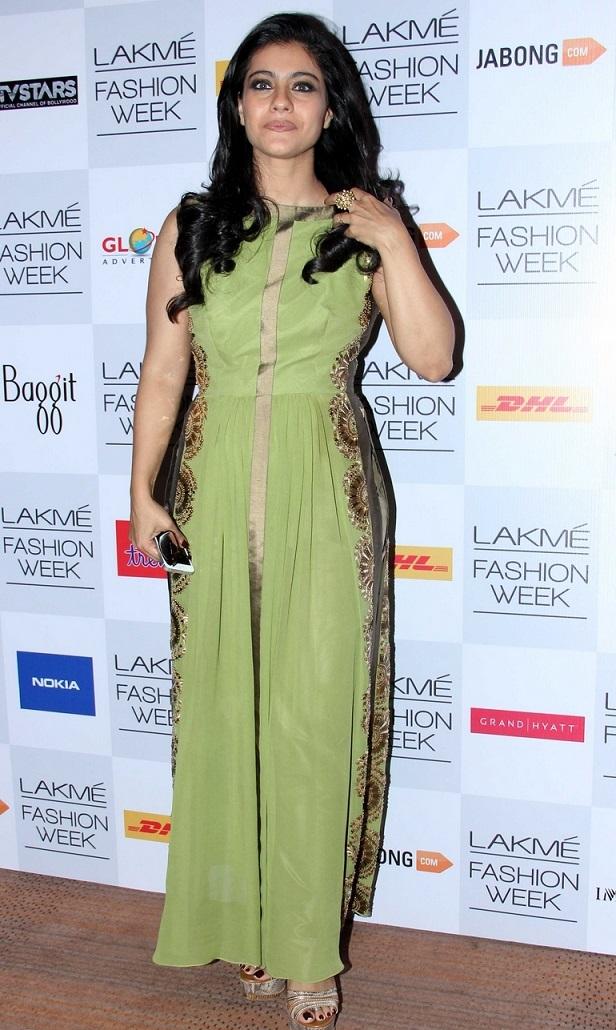 Indian Glamours Girl Kajol Stills In Green Gown At Lakme Fashion Week Summer Resort