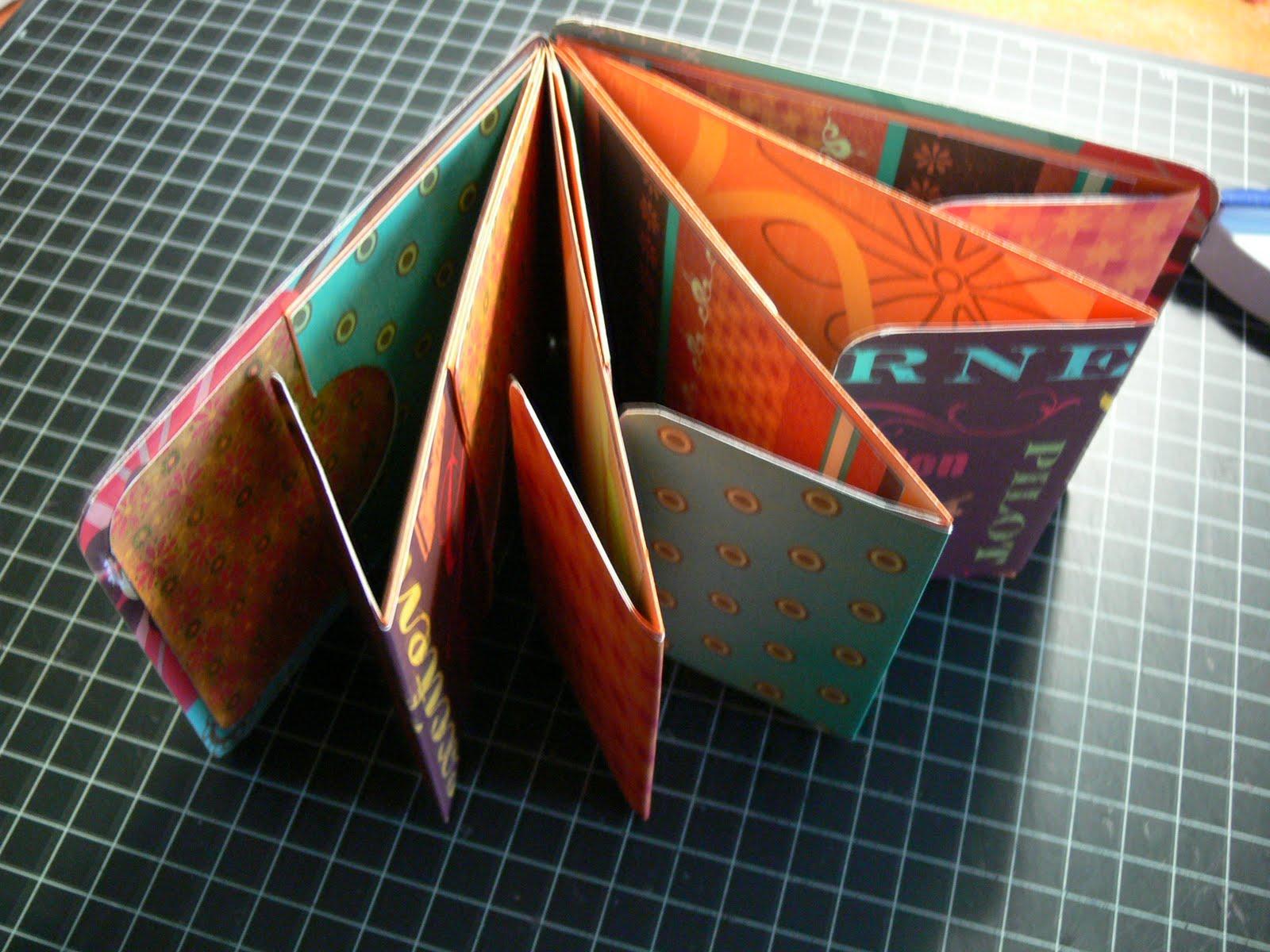 The Scrappin Ladybug: Long Envelope Mini Scrapbook Album