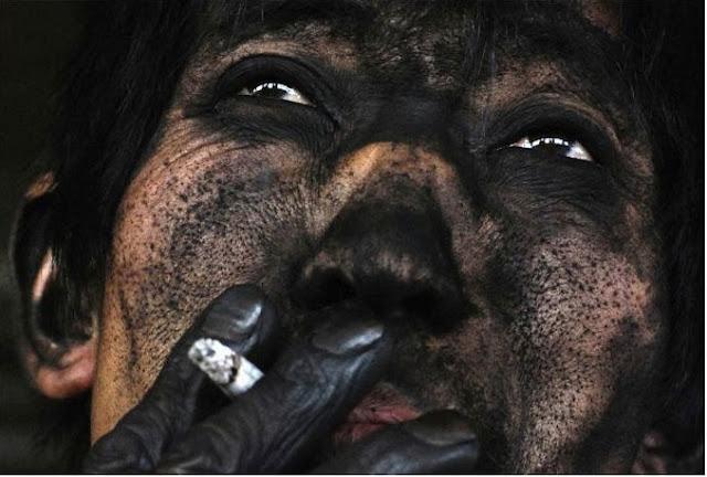 عامل منجم فحم بالصين !