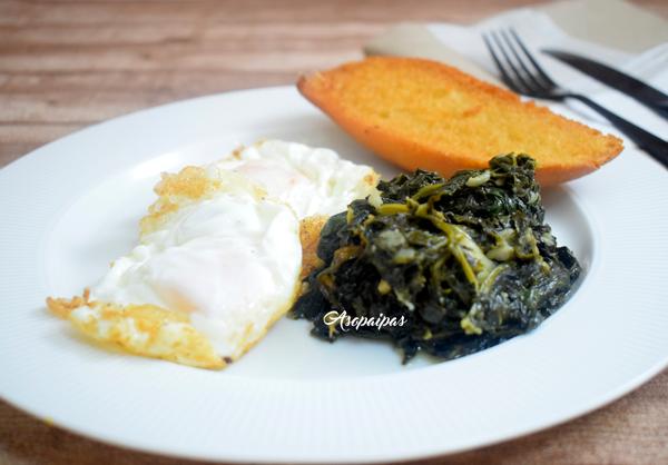 Huevos con Espinacas. Vídeo Receta