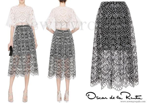 Oscar-De-La-Renta-Broderie-Anglaise-Silk-Organza-Midi-Skirt.jpg