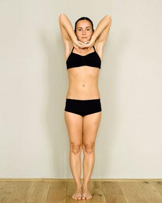 Series 26 tư thế Hot Yoga- Ngày 1: Đứng thở sâu