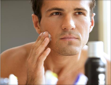 comment bien nettoyer sa peau au quotidien soin pour homme. Black Bedroom Furniture Sets. Home Design Ideas