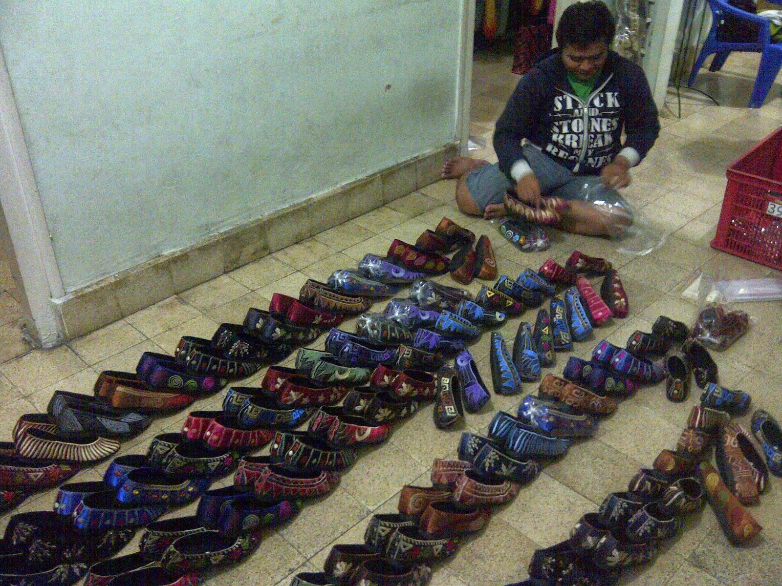 Jual Sepatu Wanita Ukuran Besar, Model Sepatu Wanita 2014, Model Sepatu Wanita Terbaru, www.distributorsepatumurah.com