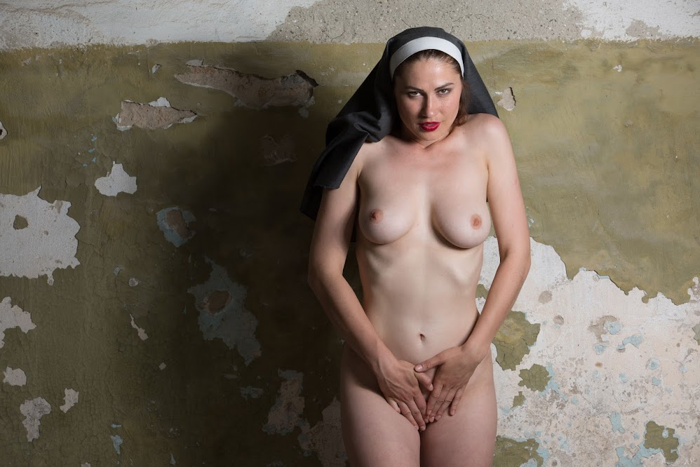 title2:Stunning18 Judith Able Playful Nun