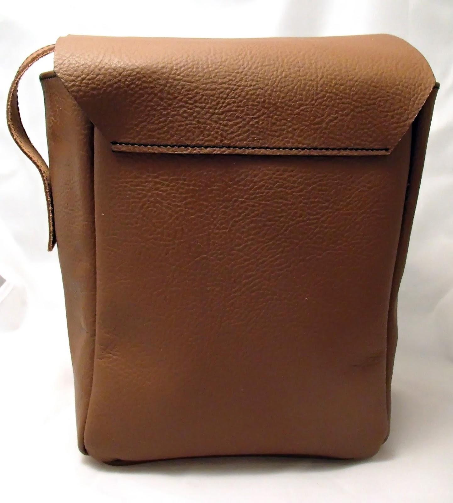 Vue de dos de la sacoche pour appareil photo reflex