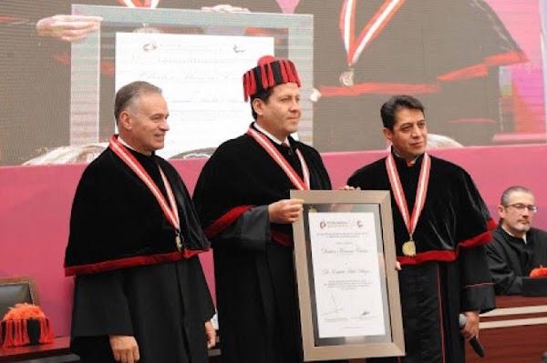 Universidad que otorgó Honoris Causa a Eruviel, involucrada en #LaEstafaMaestra