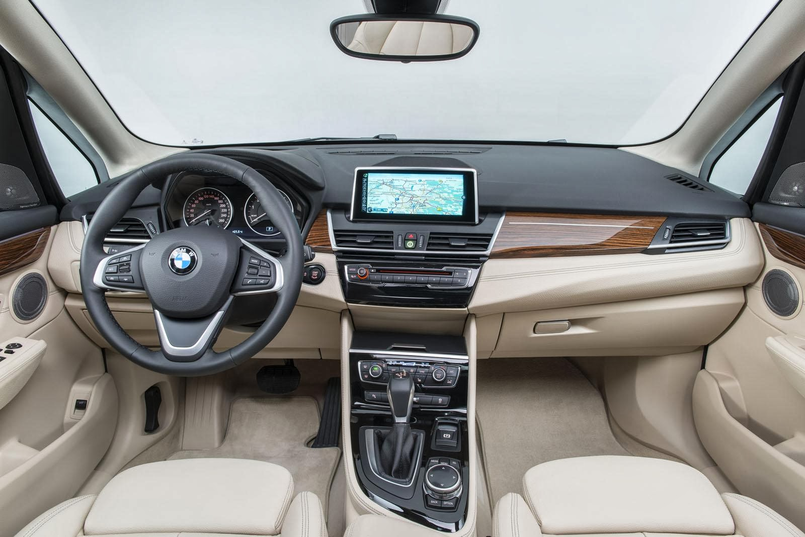 [Resim: BMW+2+Serisi+Active+Tourer+3.jpg]