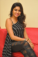 Akshida in Black Tank Top at Kalamandir Foundation 7th anniversary Celebrations ~  Actress Galleries 099.JPG