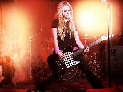 Avril Lavigne Normal Resolution HD Wallpaper 6