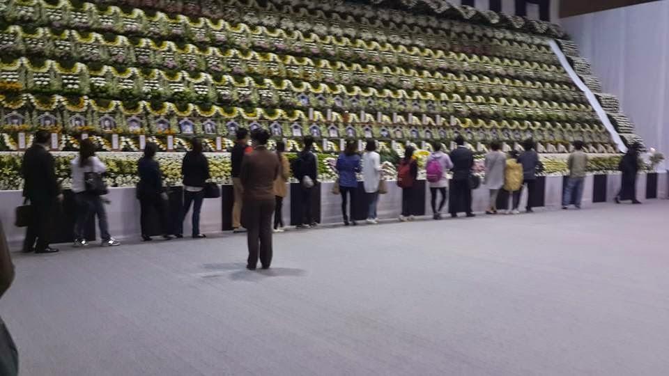 #PrayForSouthKorea : The Aftermath of The Sewol Ferry Tragedy - Saranghae Korea